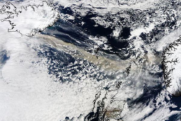 Eyjafjallajökull's plume (NASA/MODIS)