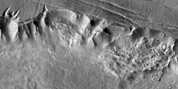 THEMIS image of Valles Marineris